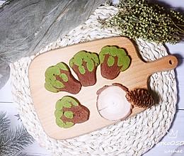 #换着花样吃早餐#巧克力绿茶大树曲奇的做法