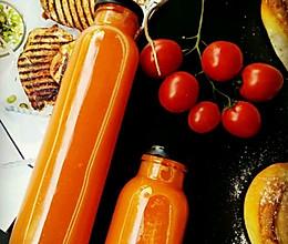 鲜榨蜂蜜苹果胡萝卜汁的做法