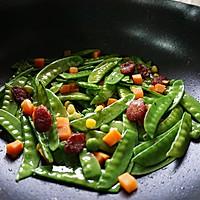 腊肠炒荷兰豆的做法图解6