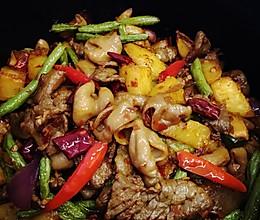 干锅肥肠牛肉的做法