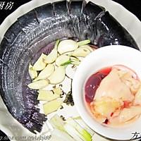 大蒜烧鲶鱼  的做法图解1