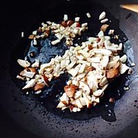 香菇土豆炸酱面的做法图解5