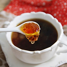 桃胶皂米红枣羹