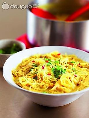 泰式鸡肉米粉汤的做法