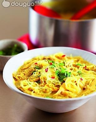 泰式鸡肉米粉汤
