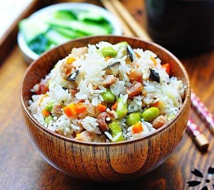电饭锅菜饭