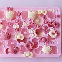 大白兔奶糖味的HelloKitty巧克力的做法图解7