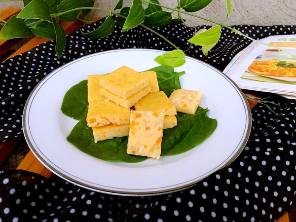 蒸三文鱼鸡蛋蔬菜小方的做法