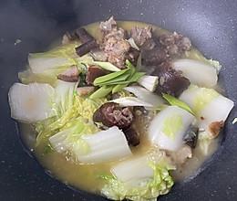腊猪尾炖白菜的做法