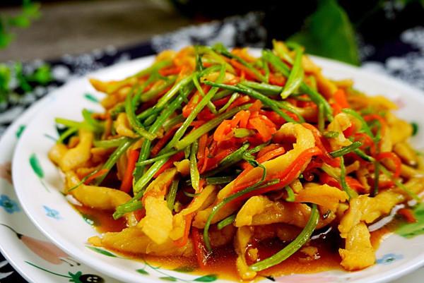 济南香菜小炒肉的做法