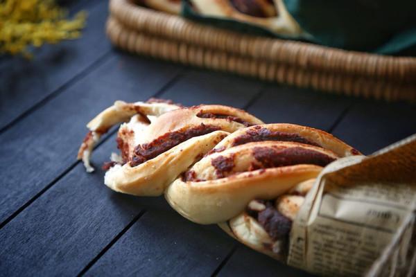 豆沙麻花面包的做法