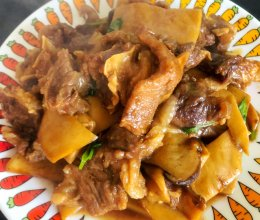 牛腩炖杏鲍菇的做法
