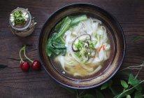 菌菇鸡汤河粉—好吃又简单的不能再简单了!的做法