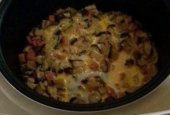 简单电饭煲香菇肉丝煲仔饭