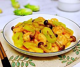 #餐桌上的春日限定#儿菜菌菇炒虾仁的做法