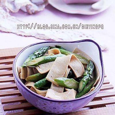 芦笋炒豆皮