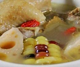莲藕养生鸭肉汤的做法