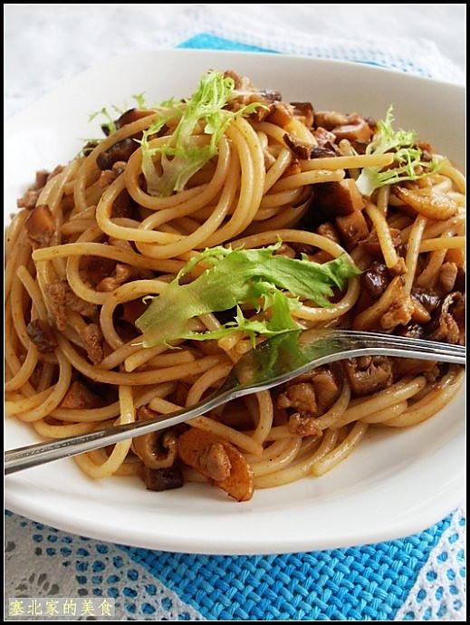 香菇肉丁意大利面的做法