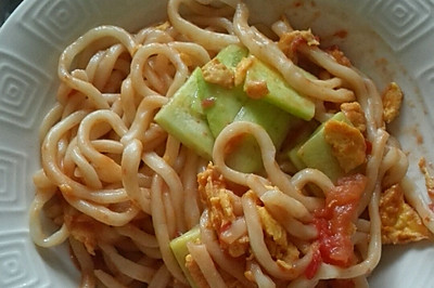 西红柿鸡蛋炒面条