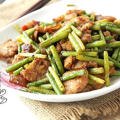 经典下饭菜——回锅肉炒蒜薹