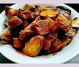 香菇炒肉块的做法