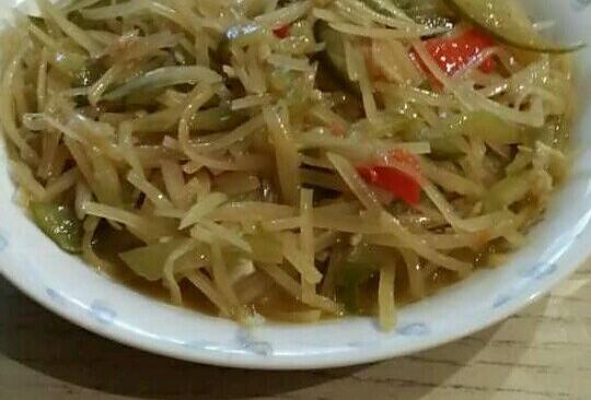 土豆丝炒酸黄瓜的做法