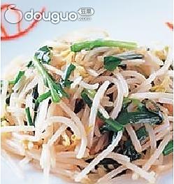 韭菜凉拌豆芽的做法