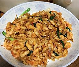 营养丰富的葱爆小河虾的做法
