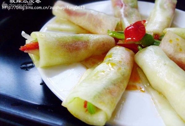 保你爱吃的夏日时令消暑菜------酸辣瓜皮卷的做法