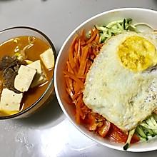 韩式拌饭+辣白菜牛肉汤