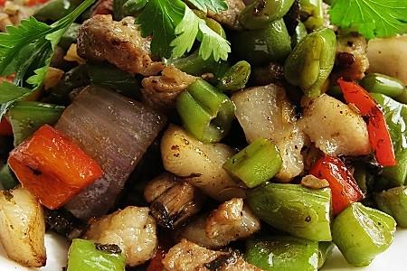 橄榄菜四季豆炒肉丁的做法