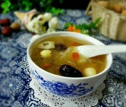 红枣银耳莲子汤的做法