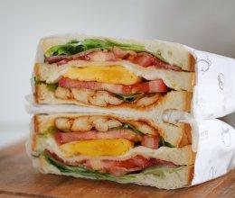 #奈特兰草饲营养美味#⭐培根鸡胸肉三明治⭐的做法