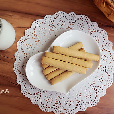 牛奶饼干-爱不停口的磨牙饼干