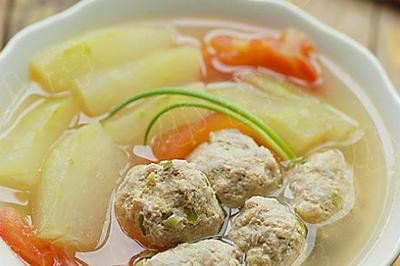 冬瓜番茄肉丸汤