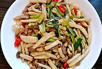 蟹味菇炒肉的做法