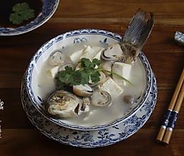 【鲫鱼豆腐汤】秋季进补不妨多喝点鱼汤的做法