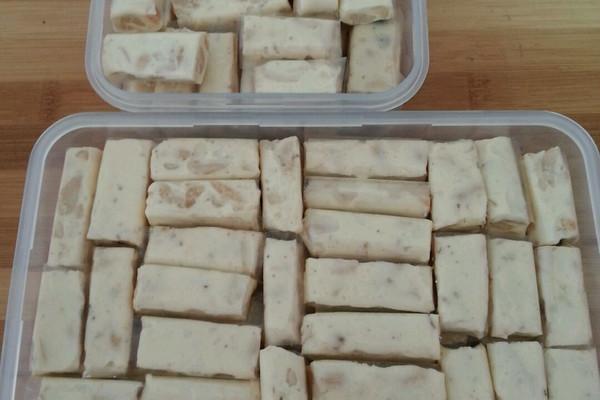 棉花糖版花生牛轧糖的做法