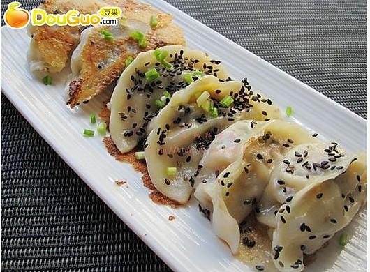 回味童年:脆皮芝麻煎饺