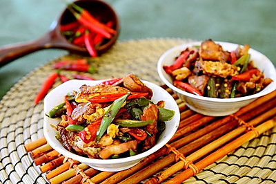 湘菜-農家一碗香(荷包蛋辣椒炒肉)