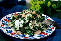 荠菜肉丝炒年糕:春天吃的一盘炒年糕的做法