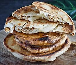 #我为奥运出食力#甜面酱芝麻饼的做法