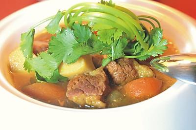 咖喱土豆牛肉汤