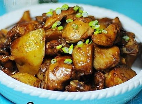 三黄鸡炖土豆的做法