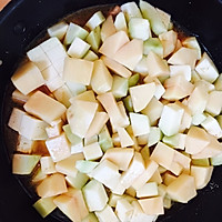 五花肉炖土豆茄子的做法图解7