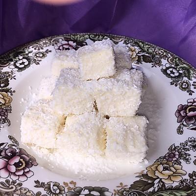 最简单的小甜品—椰丝奶油小方