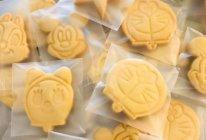 """卡通曲奇饼干#2021亲子烘焙组——""""焙""""感幸福#的做法"""