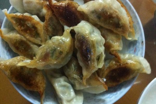煎饺(电饭锅版)的做法