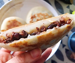 操作简便,如年糕般软糯香甜——蜜豆烫面饼的做法