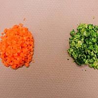 西兰花鲜虾蛋卷 宝宝健康食谱的做法图解3